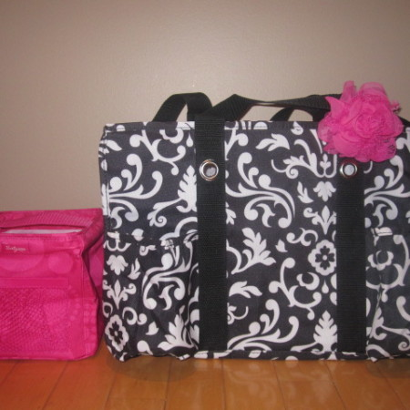 thirty one tote organizing parisian giveaway