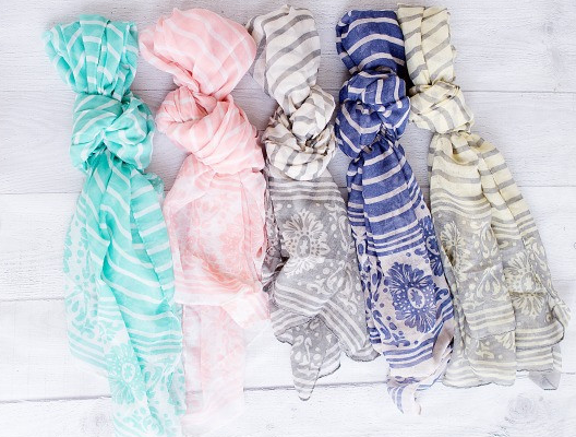 cutedamaskscarf