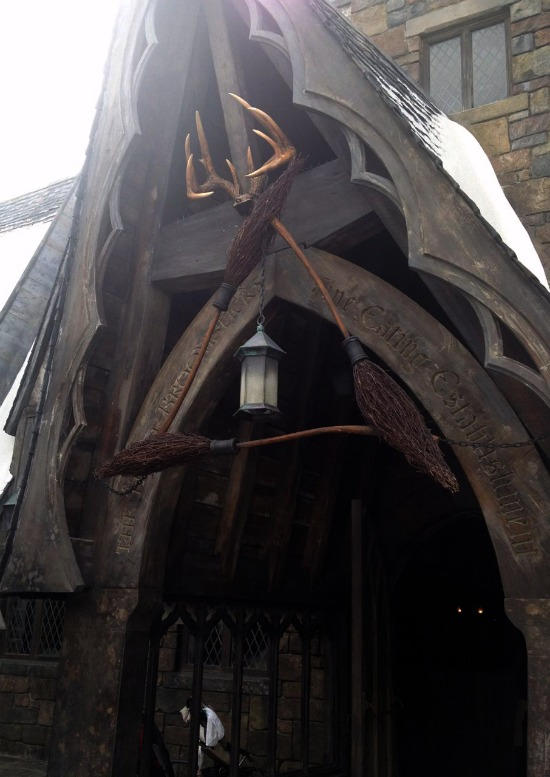 three broomsticks tavern