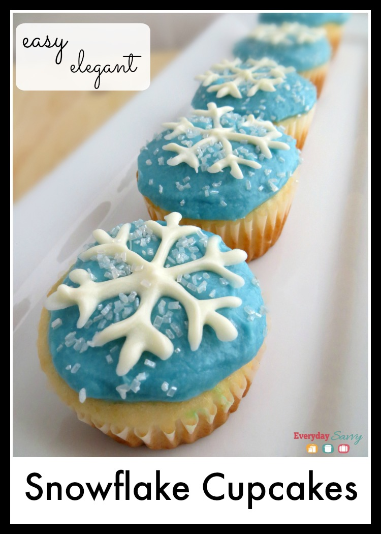 snowflake cupcakes perfect for winter or frozen party