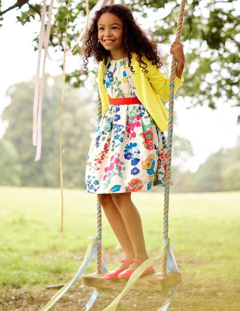 Mini Boden Easter Dress floral - Who can resist adorable little girls easter dresses? Here are my favorite Easter dresses for little girls and older girls. Lots of price points.