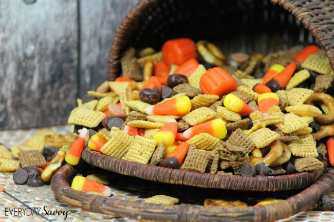 Fall is here and who can resist candy corn? I put together this fun harvest fall trail mix recipe. This would be fun to eat at home or as a snack at a Halloween or Fall Harvest party. It is very easy to make as well.