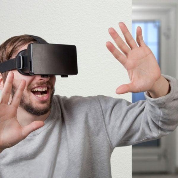 virtual reality glasses gift idea for teenage boys