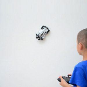 wall-climber-zero-gravity-car-gift-idea-for-tween-boys