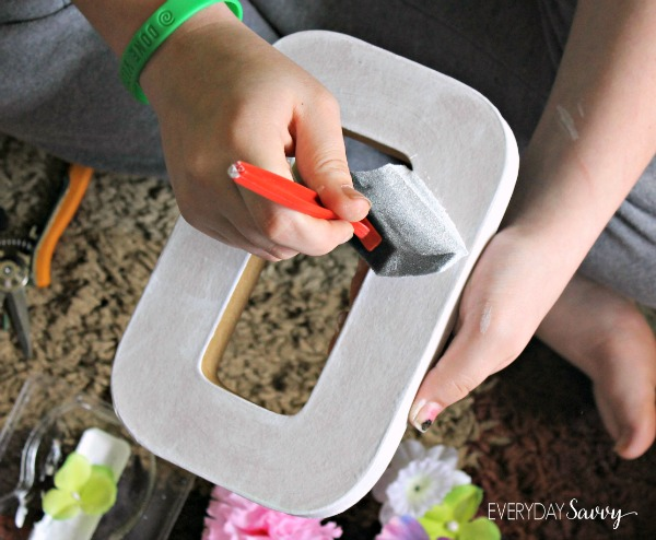 This Easy DIY Flower Letter Is A Fun Craft You Can Do With Your Older Kids