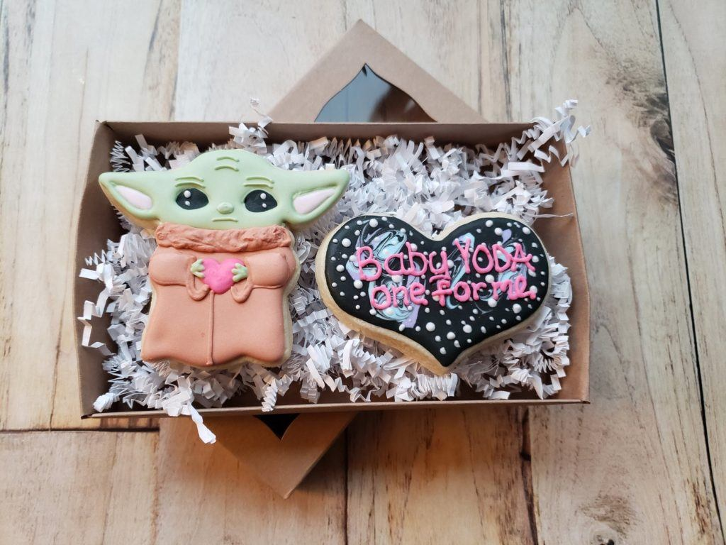 baby Yoda cookies with heart