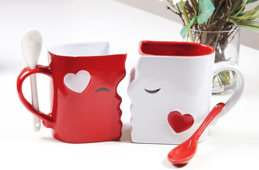 Kissing Coffee Mugs